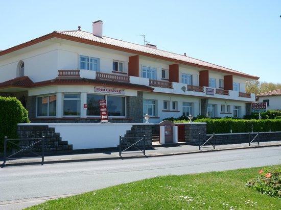 Hotel Uhainak: La façade côté Océan