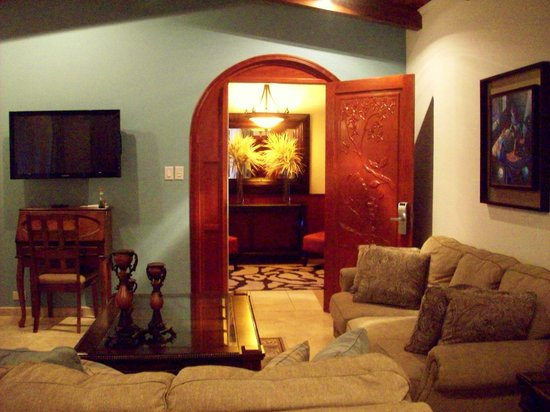 Ringle Resort Hotel & Spa: Entrance to our suite