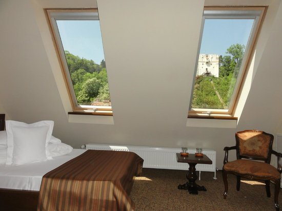 Bella Muzica: Hermosa habitacion con vista a la Torre Blanca, ... pero sin ascensor en el tercer piso