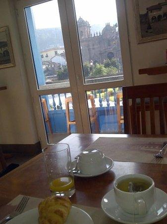 Plaza de Armas Cusco Hotel : Tomando desayuno