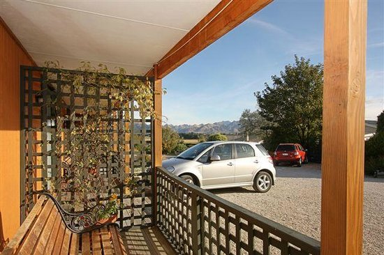 Alpine Garden Motel: Views from verandah