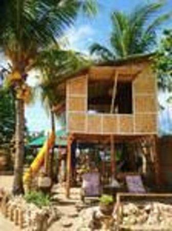 Bamboo Paraiso: couple's hut