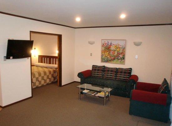 Half Moon Bay Marina Motel: Deluxe One Bedroom unit