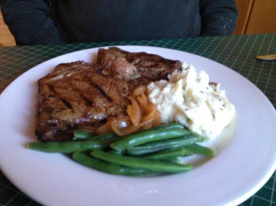 Douglas Lake Bar & Steakhouse: Brown Sugar Rubbed Ribeye...TENDER