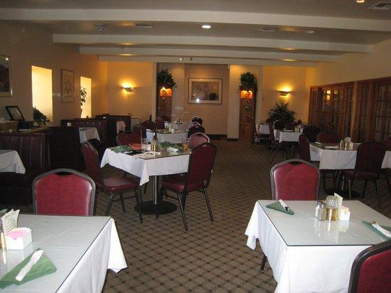 DJ's Restaurant & Lounge: DJ's Restaurant