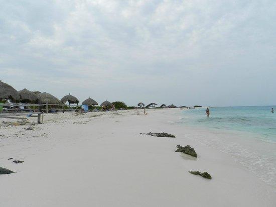 Klein (Little) Curacao: the beach