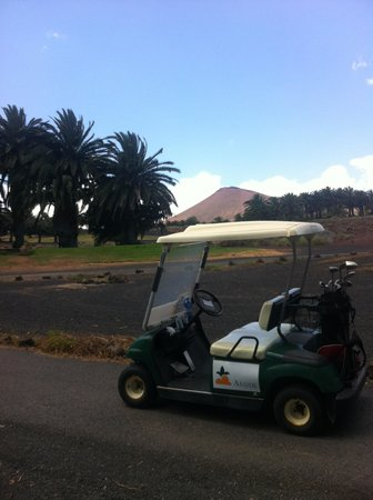 Costa Teguise Golf Club: buggy