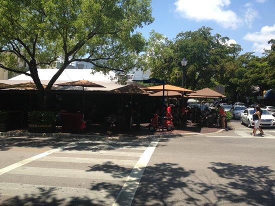 Greenstreet Cafe: Great indoor/outdoor dining