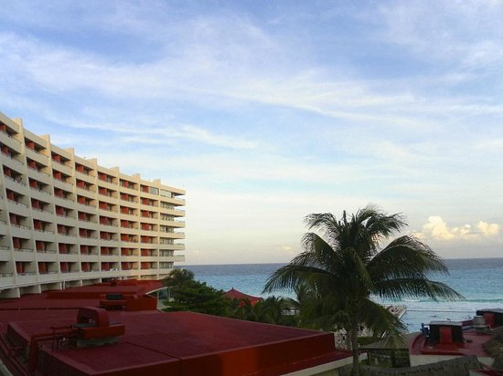 Crown Paradise Club Cancun: La vue de la chambre
