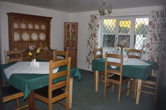 The Shippon Bed & Breakfast: Dining room