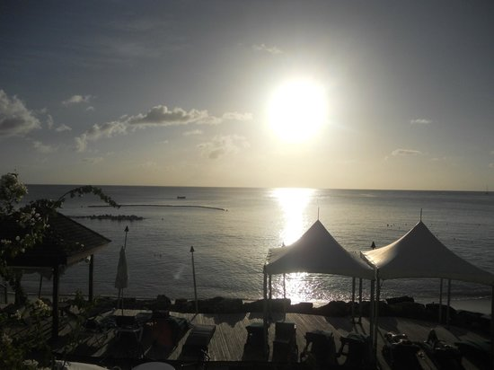 Mango Bay All Inclusive: Lovely Bajan sunset!