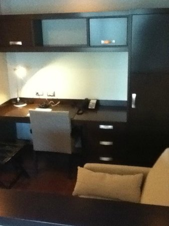 Marriott Executive Apartments Panama City, Finisterre: Excellent desk area
