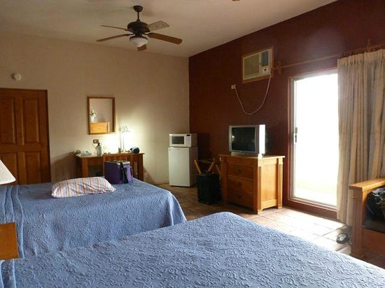 Casa Jalisco: Spacious Room