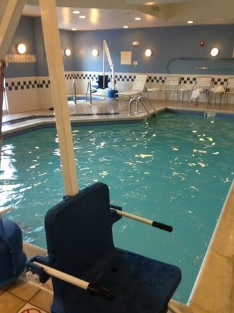 Fairfield Inn & Suites Dover : tiny pool.  8x15