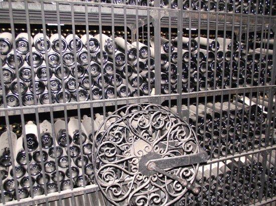 Ampora Wine Tours: Altavista owner's private collection