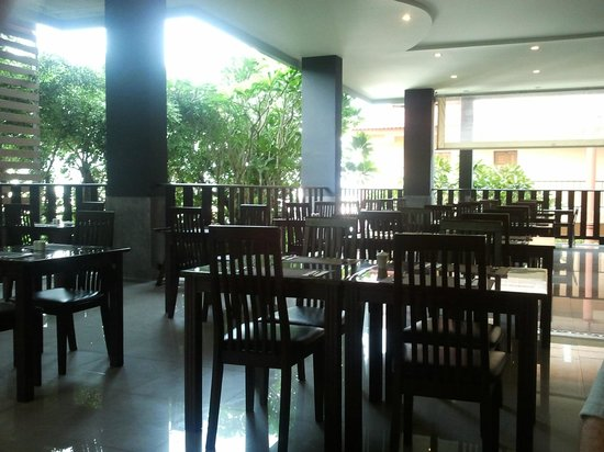 Casa Del M, Patong Beach: Breakfast & Lunch Dining Room
