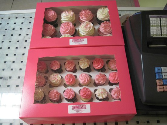 Simply Cupcakes: Special order bridal shower cupcakes