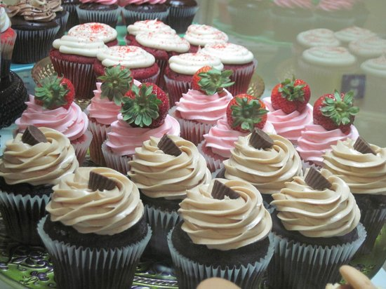 Simply Cupcakes: The aroma from our shop is simply sweet!