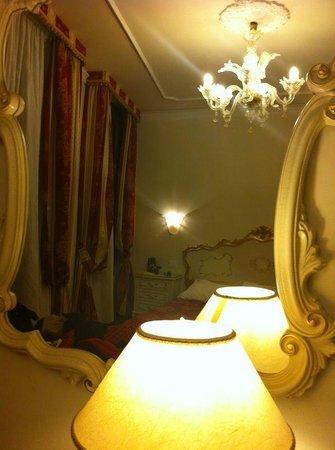 Hotel San Luca: Confortável e limpo