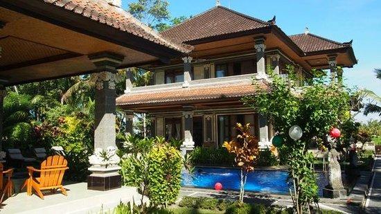 Villa Agung Khalia: Villa II and III