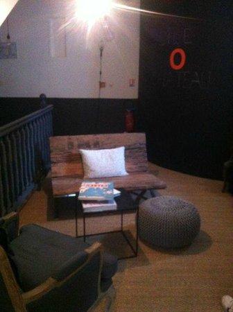 Hotel L'ile o Chateau: Rest area...great deco!
