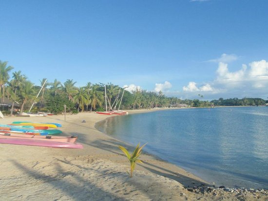 Musket Cove Island Resort: Lots of water sports to choose on the great beach