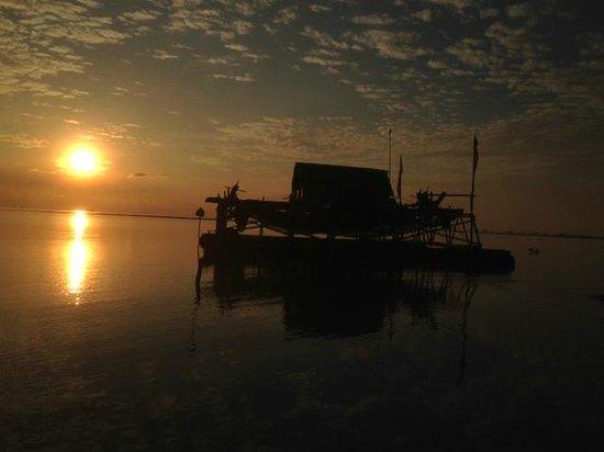 Mutiara Beach Guesthouse: Sunrise