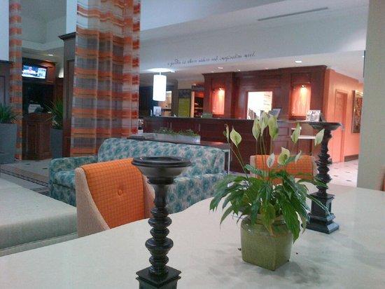 Hilton Garden Inn Toronto/Oakville: Lobby 4