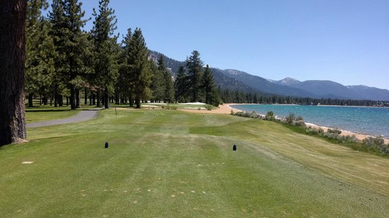 Edgewood Tahoe Golf Course: Hole 17