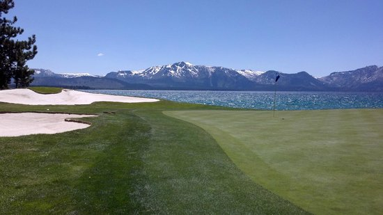 Edgewood Tahoe Golf Course: Lake view from 17 green