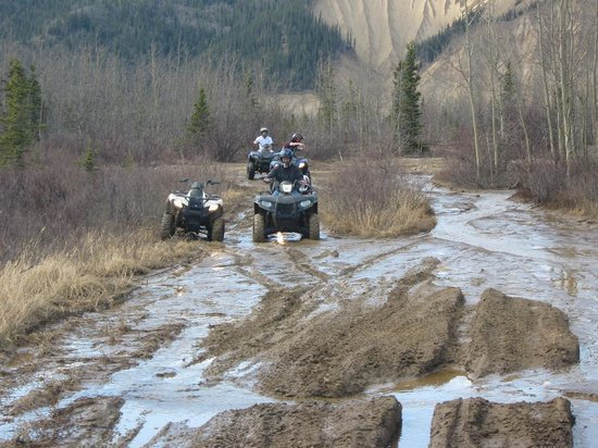 Black Diamond ATV Tours: Stuck in the Mud!!