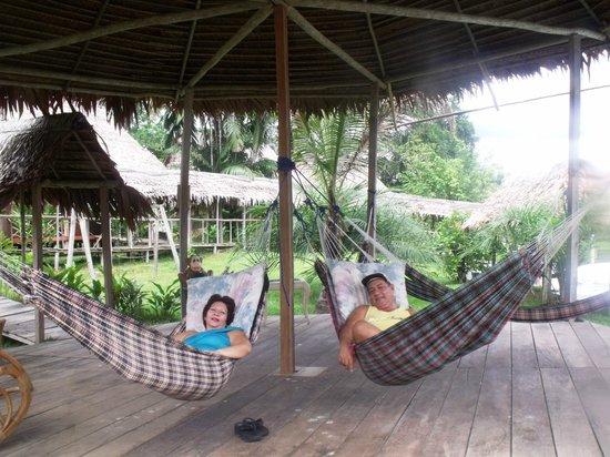 Amazon Rainforest Lodge: Descanso en hamacas