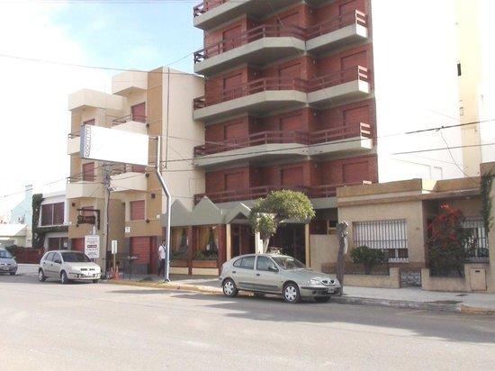 Patagonia Apart Hotel: Fachada 1