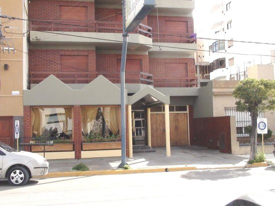 Patagonia Apart Hotel: Fachada 2