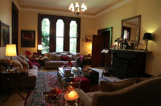 Bishop's Court Estate Boutique Hotel: Enjoy the evening fireplace