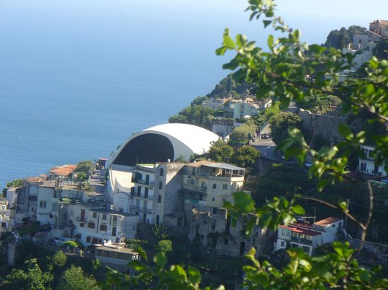 Ravello Rooms: view from terrace looking right, towards the center of town
