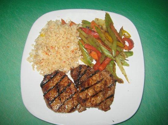 Diaz Restaurant : Pork Adobo