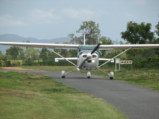 Jaques Coffee Plantation: A high-wing plane with a 36 feet wingspan can easily dodge all the 'obstacles'