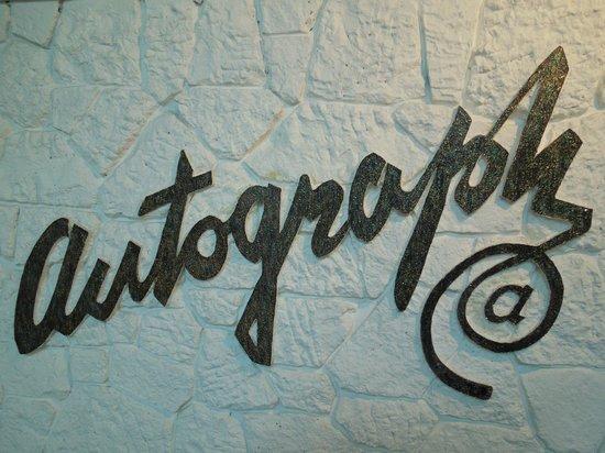 Autograph Lodge: Autograph Sign