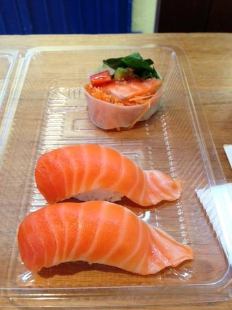 Hikari Japanese Restaurant : One of the best salmon sashimi I've had.