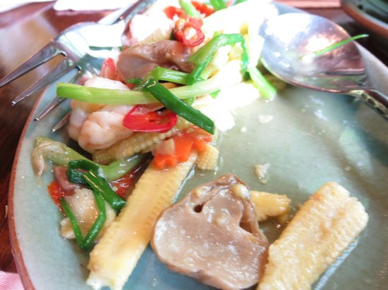 Baan Khanitha: Sauteed Mixed Vegetables With Seafood.