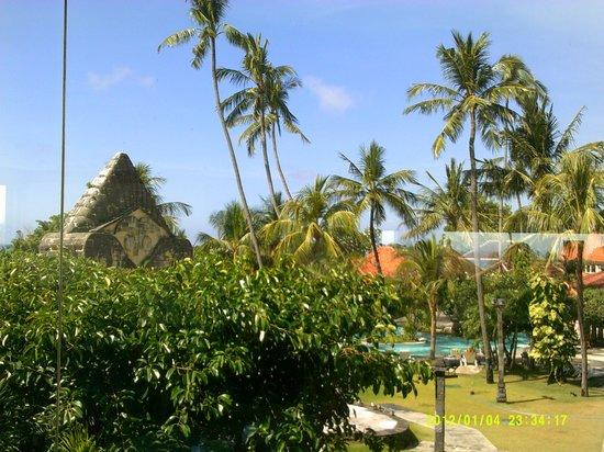 Inna Grand Bali Beach Hotel: gardens