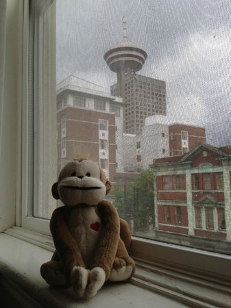 Victorian Hotel: Vancouver Lookout just two blocks away
