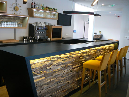 Qualys Hotel & Spa Vannes : Le bar