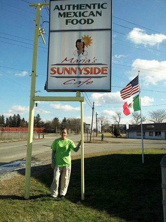 Adrian, MI: Maria Guererro, owner of Sunny Side