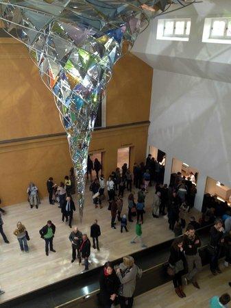 Municipal Gallery in Lenbach House : Whirlwind chandelier in foyer
