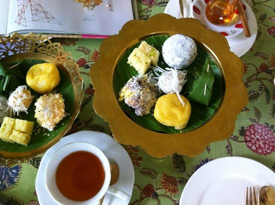 The Museum of Floral Culture: Tea and Sweet- Nice way to Finish