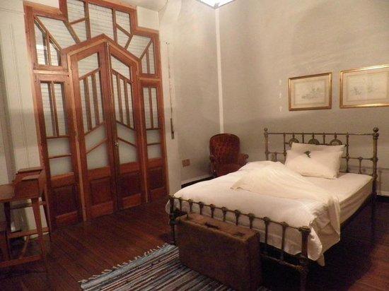 Art Hotel Deco : Habitación al frente