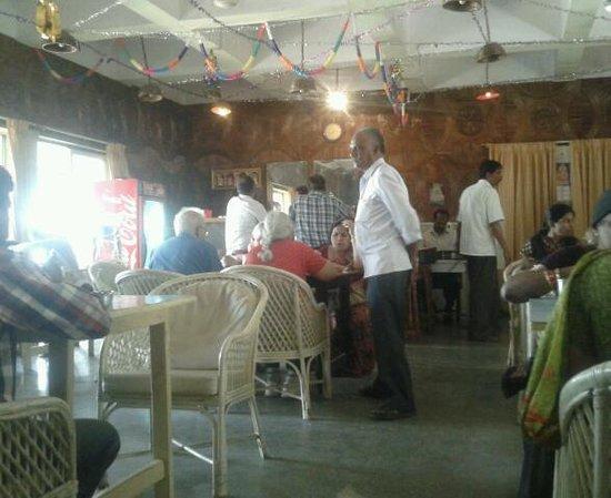 Hotel Mayura Yatrinivas Mysore: attached restaurant.mayura ...dr.dipon