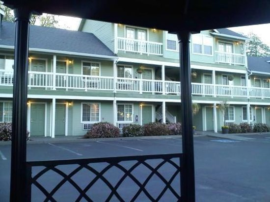 Baechtel Creek Inn, An Ascend Collection: Nice place and people